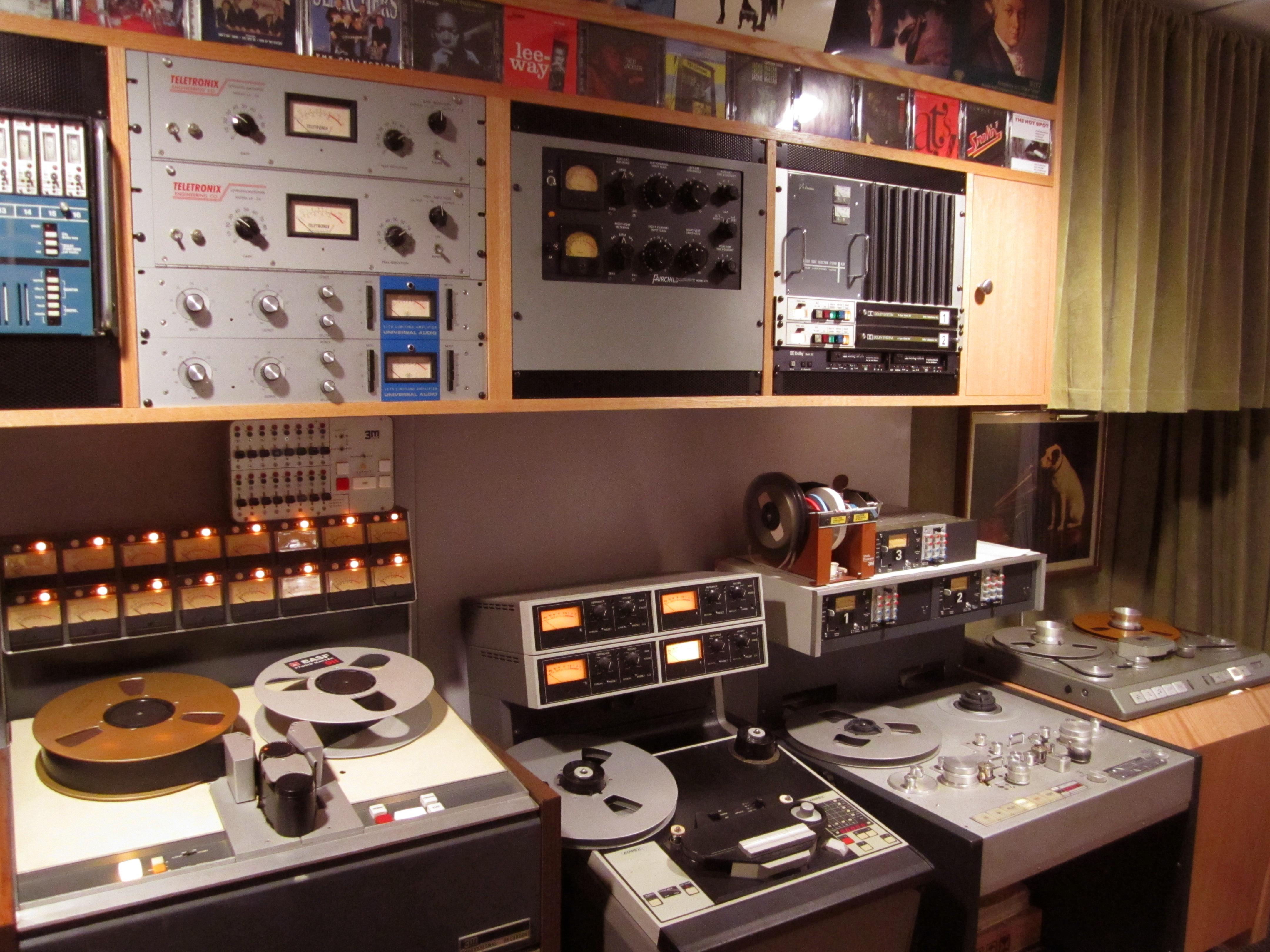 studio 3 13 left